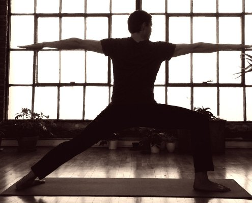 fare yoga con dolore